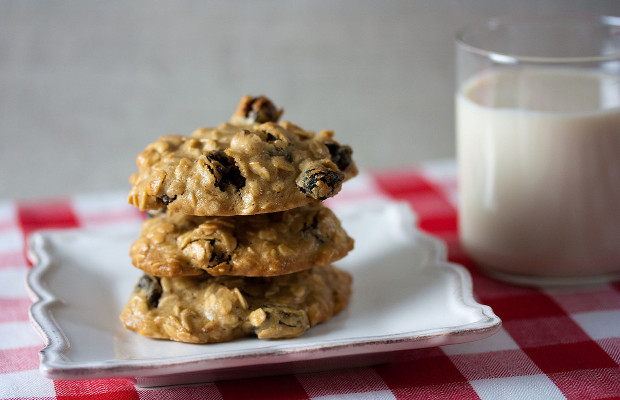 Oatmeal raisin cookies are a classic baked treat, and these ones bring something extra (cannabis) while taking out the sugar.